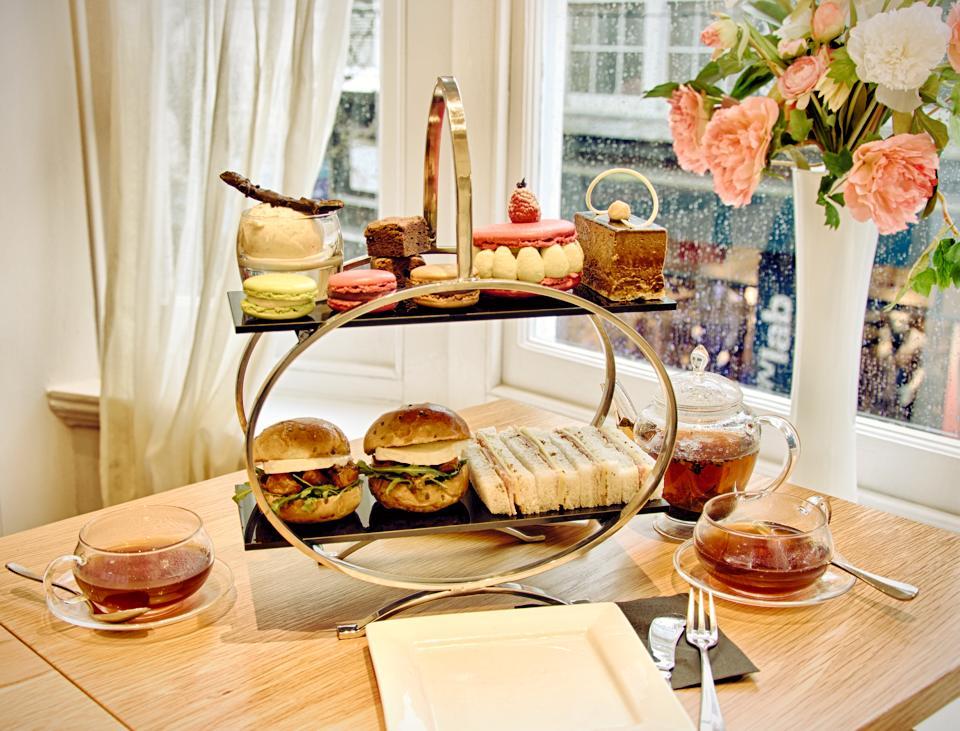 Afternoon Tea Brighton - Julien Plumart
