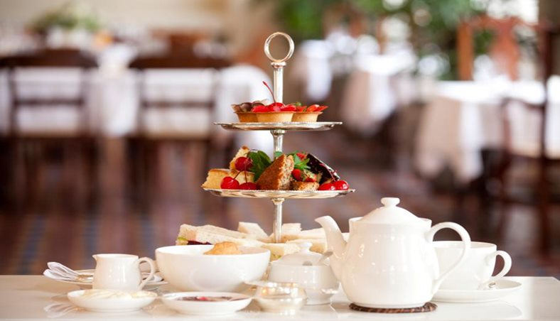 Afternoon Tea Reading - Monty's at Holiday Inn