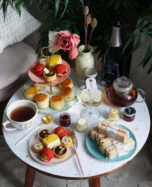 afternoon tea delivery - Oblix at The Shard