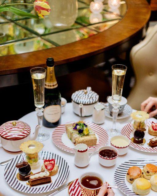 afternoon tea London - The Crystal Moon Lounge Corinthia Hotel